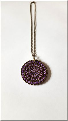 Collier estampe ronde bronze et violet : Collier par aliciart