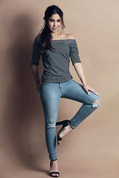 Bring Back JULNIGO and 16 others Retweeted  BENCH/ @benchtm  Jan 24 Have some bounce in your step and some oomph in your outfit, just like Julia (@juliabarretto) for #BenchTM.