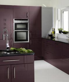 Green zebrano high gloss kitchen modern kitchen design for Aubergine kitchen cabinets