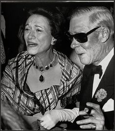 The Duke and Duchess of Windsor. The pendant of Duchesses Cartier emerald necklace was a 48.95 gem originally from the Spanish royal family bought via Harry Winston.
