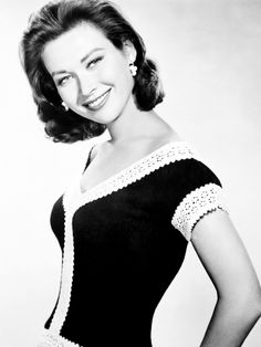 gia scala - Google Search Gone Too Soon, Old Hollywood Glamour, Short Cuts, Sexy Women, 1950s, Beautiful, Google Search, Pixie Cuts, Short Hairstyle