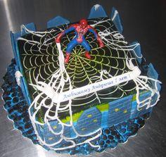 Торт человек паук в королеве