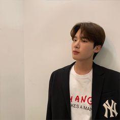 Korean Male Actors, Korean Celebrities, Netflix, Kim Dong, Kdrama Actors, Hyungwon, Actor Model, Lee Jong Suk, K Idols