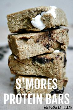 Woaaah! Homemade s'mores bars? Yes, please! These #nobake #proteinbars are a game changer. Save some money