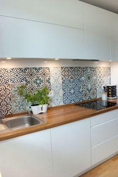 Home Decor Inspiration, Kitchen Design Small, Bathroom Interior Design, Interior, Spanish Style Kitchen, New Kitchen, Kitchen Tiles, Kitchen Style, Kitchen Design
