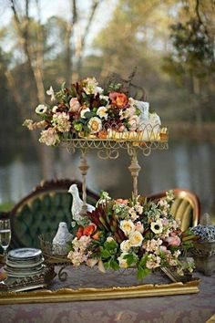 ♔ Lovely - love the touch of the gold frame on the table top