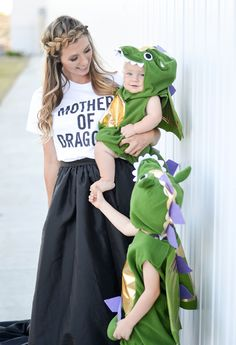 19 DIY Kids' Halloween Costumes That Are So Cute You'll Want to Cry: MOTHER OF DRAGONS. Family costumes are guaranteed to get oohs and aahs when you head out to trick-or-treat (not to mention, they re (Diy Costume Family) Hallowen Costume, Diy Halloween Costumes For Kids, First Halloween, Diy Costumes, Halloween Party, Homemade Halloween, Costume Ideas, Superhero Family Costumes, Children Costumes