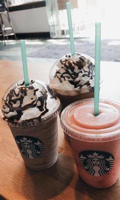 Starbucks – The Best Coffee and Espresso Drinks Bebidas Do Starbucks, Copo Starbucks, Iced Starbucks Drinks, Starbucks Menu, Healthy Starbucks, Starbucks Recipes, Starbucks Coffee, Fun Drinks, Yummy Drinks
