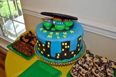 Torta delle Tartarughe Ninja con decorazioni in pasta di zucchero n.77