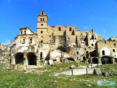 Craco, Ghost town    Basilicata, Italy