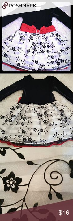 Bonnie Jean Formal Dress Velvet top formal dress. Perfect for the holiday season. Pictures show beautiful skirt layers and detail. Pairs well with the Goodlad Velvet Trim Swing Coat. Ask me for a bundle. Machine washable. Like New. Bonnie Jean Dresses Formal