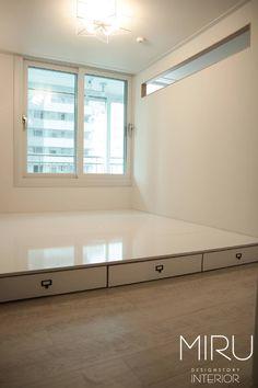 트랜디한 아파트 인테리어(침실,서재방) : 모던스타일 침실 by 미루디자인