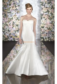 Robe de mariée sirène satin boutons col coeur