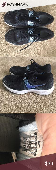 Nike tennis shoes Pretty worn Nike Shoes Sneakers