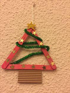 Arbolito de Navidad. Palos de polo y limpiapipas. Muy sencillo para hacerlo con los niños