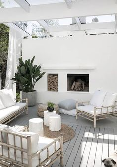 minimalist terrace design ideas calming and cozy for your family page 18 Terrasse Design, Patio Design, House Design, Outdoor Rooms, Outdoor Living, Minimalist Dining Room, Outside Living, Backyard Patio, House Styles