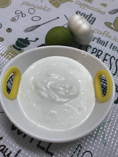 LIBARAH – Just bcoz something's toxic doesn't mean it's not tasty. Garlic Cloves Minced, Garlic Paste, Fresh Cream, Plain Yogurt, Fried Chicken, A Food, Food Processor Recipes, Lemon, Tasty