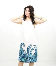 Vestido seda verano. Había pintado a mano ondas vestido mar y