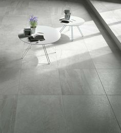 "Forward Grey | Porcelaine - Porcelain | Fini naturel - Natural Finish | 8""x32"" & 16""x32"" 