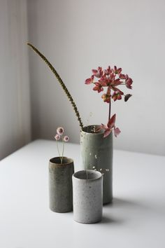 Florian Gadsby is a potter based in London, his focus is on creating clean decorative and functional vessels in a range of glazes and clay bodies. Slab Pottery, Pottery Vase, Ceramic Pottery, Porcelain Ceramics, Ceramic Mugs, Ceramic Bowls, Wheel Thrown Pottery, Sculpture Clay, Ceramic Sculptures