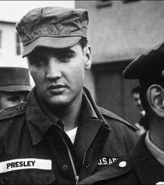 Elvis Presley dans l'armée en 1958