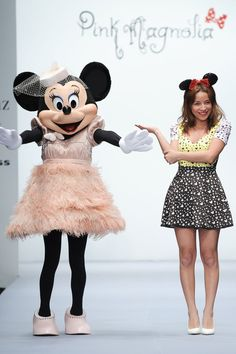 An entire line devoted to Minnie in VOGUE! Disney Costumes For Kids, Disney Characters Costumes, Character Costumes, Disney Outfits, Mickey Minnie Mouse, Disney Dream, Disney Love, Alice In Wonderland Pictures, Business Casual
