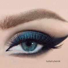 Drama eyes! Love! ♣️ @lydiahybenik