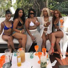 Lifestyles nuem but pain we just make it look lavishhh ⚡️ Bff Goals, Best Friend Goals, Squad Goals, Black Girl Magic, Black Girls, Best Friend Outfits, Girl Gang, African Women, Beautiful Black Women