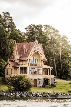 Victorian Architecture, Beautiful Architecture, Beautiful Buildings, Beautiful Homes, Architecture Design, This Old House, Cute House, Style At Home, Mountain Home Exterior