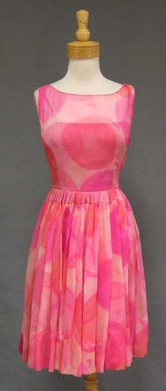 Authentic vintage clothing and eyewear from the 1940's, 1950's and 1960's.  Gorgeous selection of vintage evening wear, vintage prom dresses and vintage wedding dresses, plus suits, sun dresses and more!