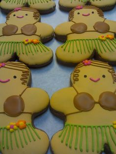 Hula Girl Cookies by eckabeck.devianta… Hula Girl Cookies by eckabeck. Christmas Cookies Kids, Elf Christmas Decorations, Xmas Cookies, Christmas Treats, Valentine Cookies, Sugar Cookies, Gingerbread Man Cookies, Christmas Gingerbread, Gingerbread Men