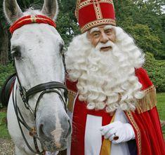 Sint Nicolaas/ Sinterklaas en zijn trouwe Paard Amerigo. Saint Nicholas and his faithful Horse Amerigo.