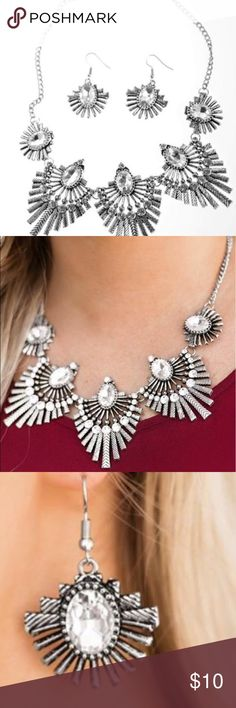 Sophisticated necklace & earring set Get a load of this 😍 Textured metal bars where out from a mesmerizing gem. Creating a fringe of fanning frames sprinkled with matching white rhinestones. This dazzling display falls just below the collar bone for a sassy finish! 😍😍😍 Jewelry Necklaces