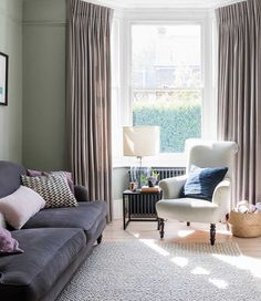 home interior design country style London Living Room, Home Living Room, Living Room Decor, Living Spaces, Small Living, Victorian House Interiors, Victorian Living Room, Interior Design Living Room, Living Room Designs