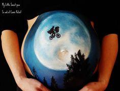 Bump Painting - Carrie verzierte schon über 100 Bäuche von Schwangeren