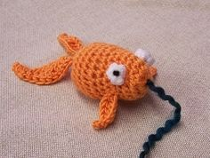 Image of Goldfish Cat Toy. My next kitty will be sooooo spoiled with knit/crocheted toys :)