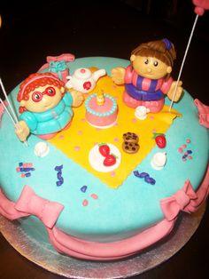 Resultado de imagem para bolos little people