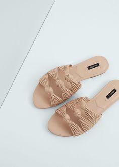 Sandalia plana nudos   MANGO