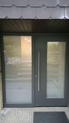 #pirnar #door Old Fort, Front Doors, Entrance, Windows, App, Contemporary, Interior Design, Luxury, Wood