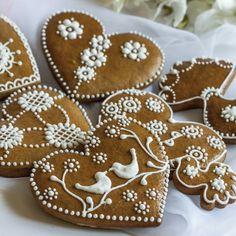 Valentine Cookies, Cake Cookies, Gingerbread Cookies, Christmas Cookies, Christmas Desserts, Holiday Treats, Christmas Baking, Bolacha Cookies, Flower Sugar Cookies