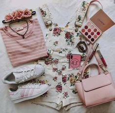 It's been awhile since I wore baby pink but it's such a cute color for summer 😍 Teen Fashion Outfits, Retro Outfits, Cute Casual Outfits, Cute Fashion, Vintage Outfits, Aesthetic Fashion, Aesthetic Clothes, Aesthetic Black, Aesthetic Collage