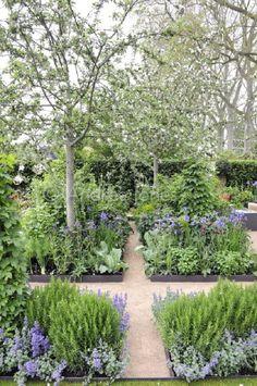 Herb Garden | jardin d'herbes aromatiques | The Homebase Garden, Designed by Adam Frost