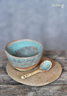 Tri Lukne ceramic bowl and spoon. stoneware gives the pieces strength and a sense of grounding, while the thin pinched dishes raises sensitivity