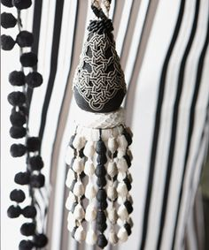 Black and white Orsetti trimmings