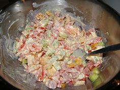 uvaříme těstoviny a smícháme je se zbytkem surovin, které nakrájíme. Pasta Salad, Potato Salad, Cabbage, Potatoes, Vegetables, Ethnic Recipes, Food, Salads, Crab Pasta Salad