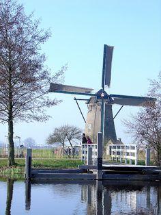 Magical windmills in Kinderdijk, Netherlands! #Longships