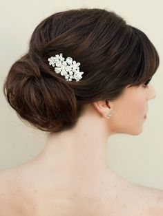 "Hair Comes the Bride - Rhinestone Flower Bridal Hair Comb ~ ""Avril"", $42.00 (http://www.haircomesthebride.com/rhinestone-flower-bridal-hair-comb-avril/?gclid=CjwKEAiAk7O0BRD9_Ka2w_PhwSkSJAAmKswxK6WAxMwoPX-r0GsuIJ0iMO1yNK3W1uSV2tfVeHo7YxoCRX_w_wcB/)"