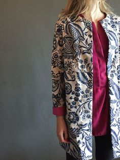 A beautiful print. Autumn Coat, South Africa, Kimono Top, Seasons, Floral, Fabric, How To Make, Blue, Beautiful