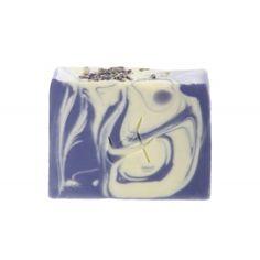 Cremige, mit Sheabutter überfettete Naturseife für trockene Haut. #Adessa #Seife #vegan #Lavendel #Pflege