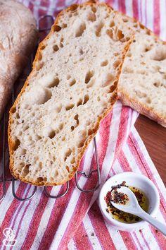 Aprenda a receita dessa ciabatta perfeita produzida com fermentação lenta e que fica deliciosa, mesmo utilizando ingredientes super simples. No Salt Recipes, Easy Bread Recipes, Bread And Pastries, Brownies, Pastry School, Bread Cake, Pasta, How To Make Bread, Sweet Bread